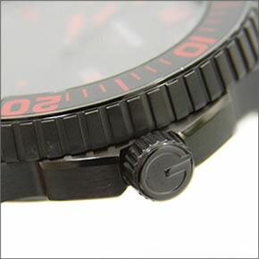 グッチ G-タイムレス コレクション オールブラック・ダイバーズウオッチ YA126230