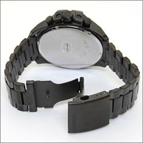 ディーゼル  腕元に映えるオールブラック。 モテ系クロノグラフ・ウオッチ DZ4283