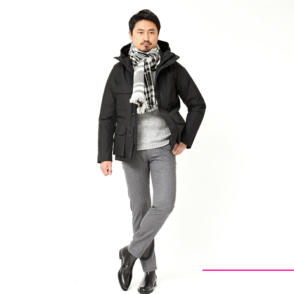 WOOLRICH(ウールリッチ)のコーディネート全身写真