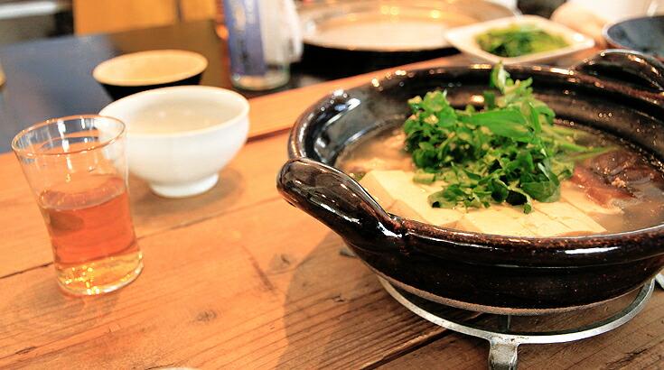 料理愛好家がこぞって選ぶ、育つ「土楽窯」の土鍋。