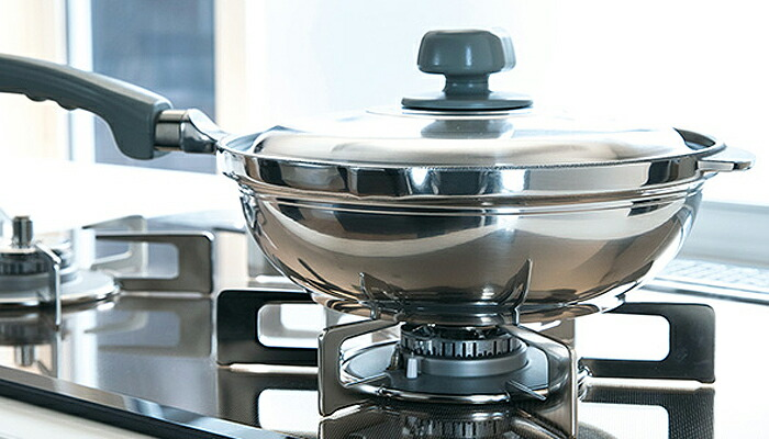 あっという間に素材の旨みを引き出す日本が誇る、アルミ合金鋳物厚手鍋