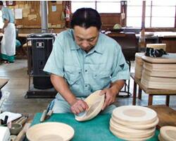茶碗などの道具で押し出し生成。