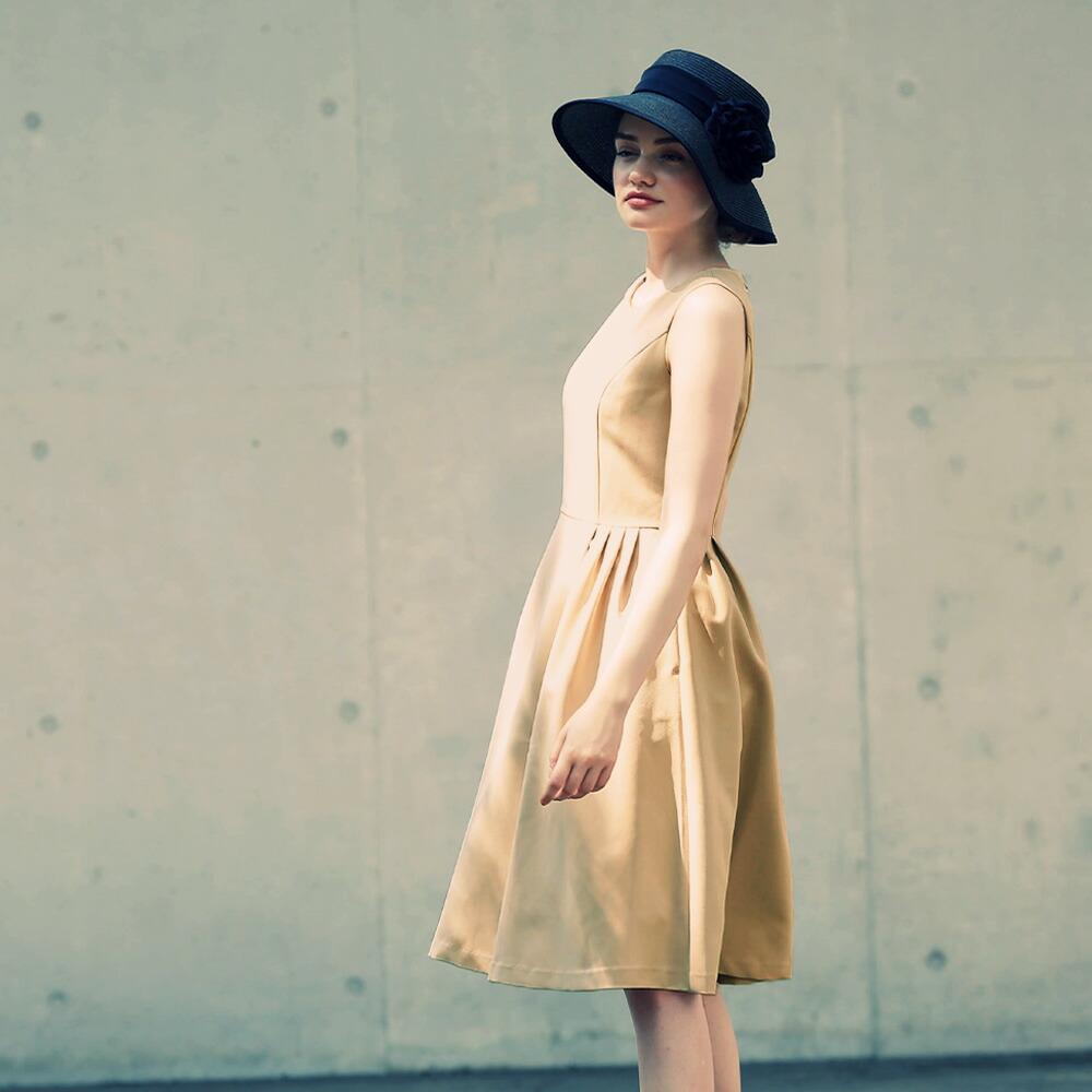 神戸 ファッション フォーマル ワンピース きれいめ 大人 上品 入学式 卒業式 入園式 卒園式 結婚式 ブラック 黒 ベージュ 白 春 夏 秋 冬 ノースリーブ