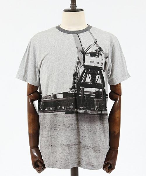 【Nudie Jeans(ヌーディージーンズ)】DANIEL GBG SKYLINE Tシャツ(131625)
