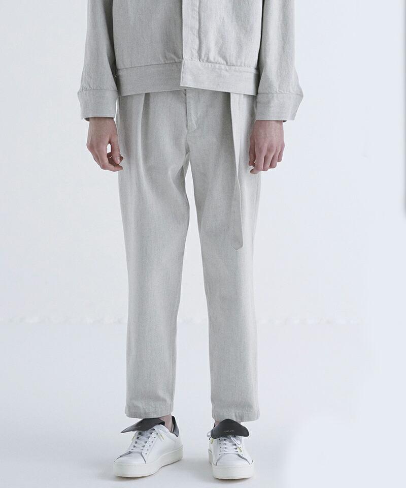 【CULLNI(クルニ)】ベルト付きタックテーパードパンツ(21-SS-016)