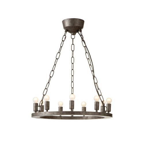アンティーク感と現代的エッセンスの融合をコンセプトに作られたランプ。