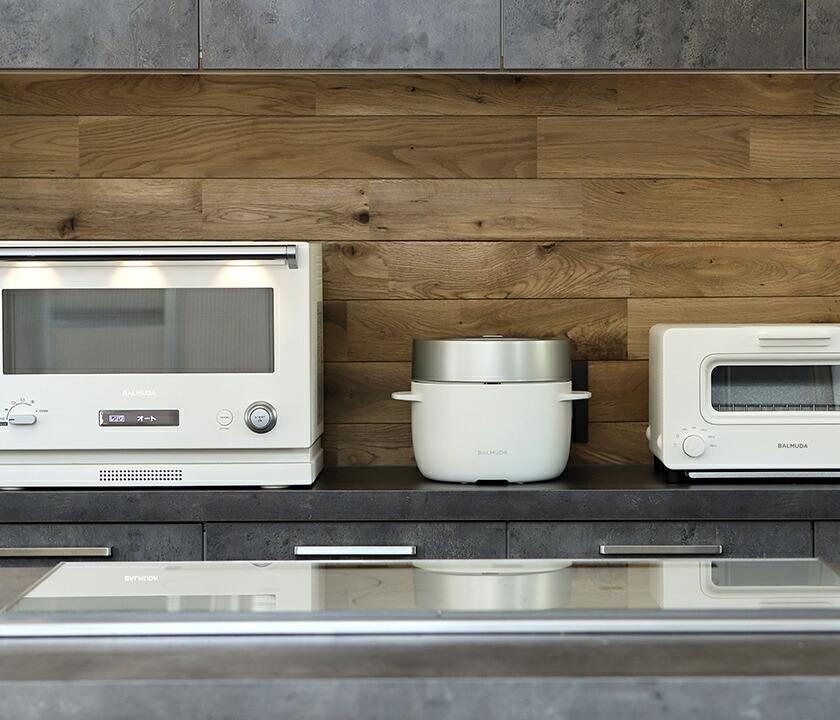 BALMUDAのレンジと炊飯器とトースター