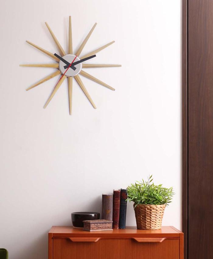 まるでオブジェのような存在感、おしゃれなデザインの壁掛け時計を教えてください。