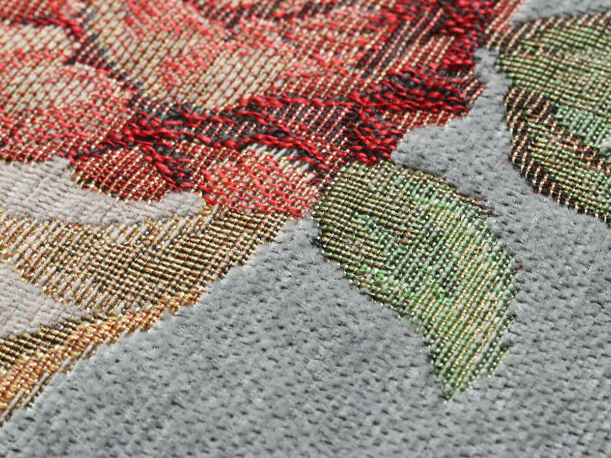 シェニール糸を使った生地は、手触りやわらか。