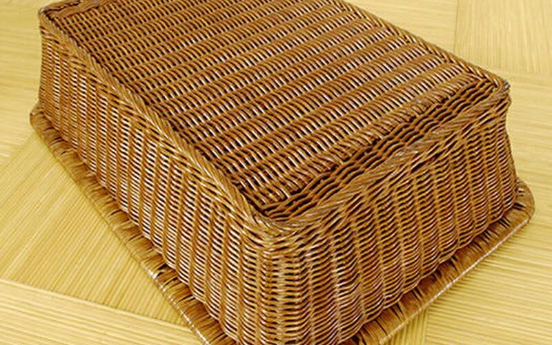 上質な籐材料を使用し、丁寧に仕上た職人の技の丈夫で美しい逸品です。<br> 軽くしなやかで丈夫。自然インテリアならではの情緒溢れるバスケットです。