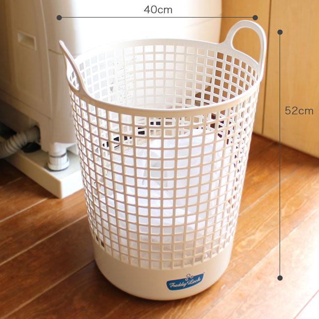 洗濯かご 脱いだものをポンポン放り込んで、洗濯〜取り込みまで大活躍します。