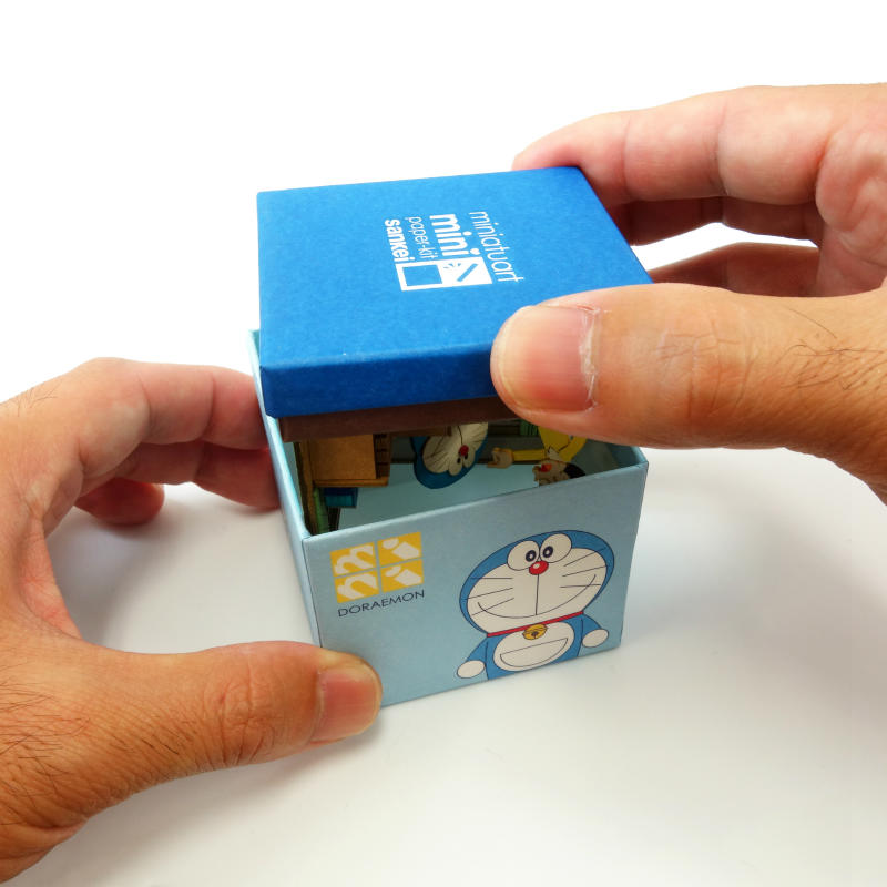 ドラえもんminiは箱に収納できます