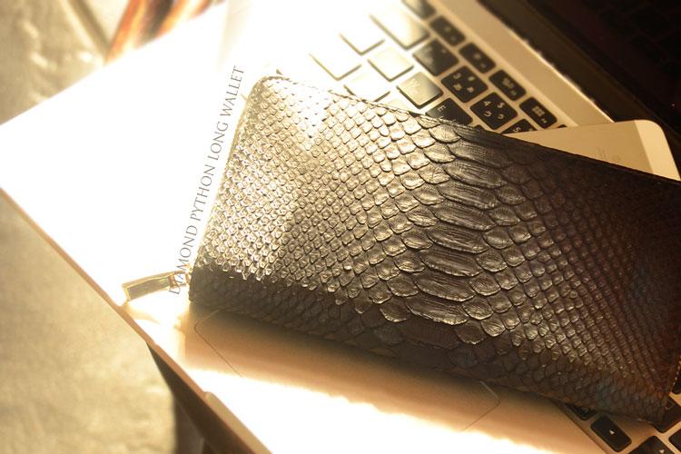 ヘビ皮財布