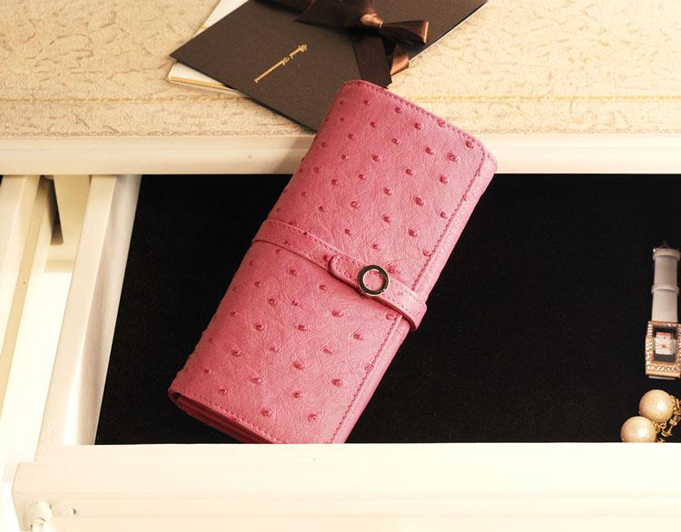 ピンクの本革婦人長財布