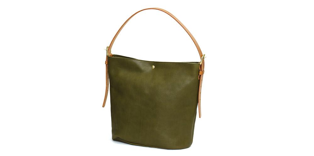 栃木レザーを使用した、大容量の2WAYバッグです。
