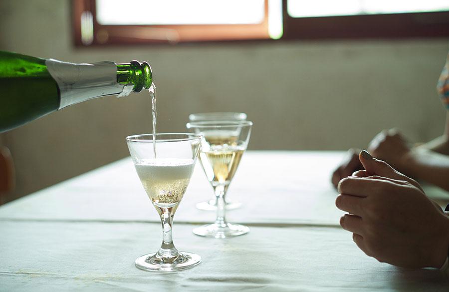 この後、女三人ホストクラブへ行ってシャンパンあけたという事実はない