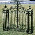 イングランド門扉と門柱2本のセット
