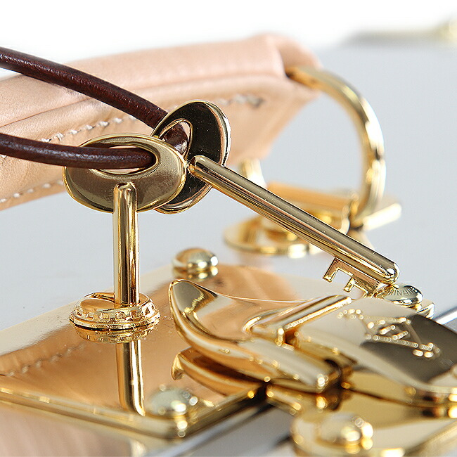 鍵「真鍮」