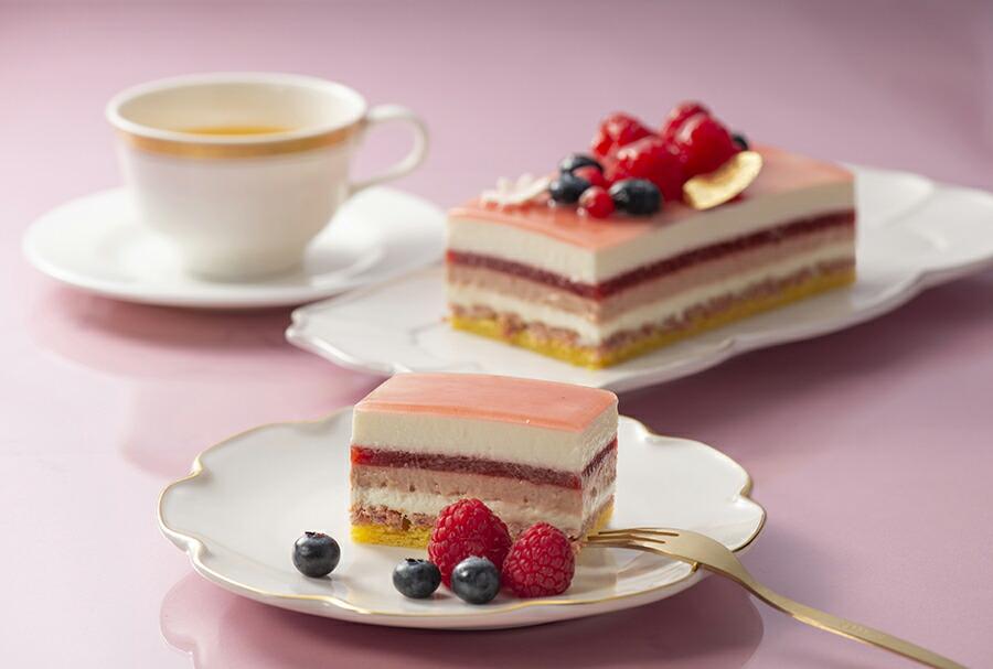 まるで宝石箱のような美しくおいしいスペシャルなケーキをお楽しみください