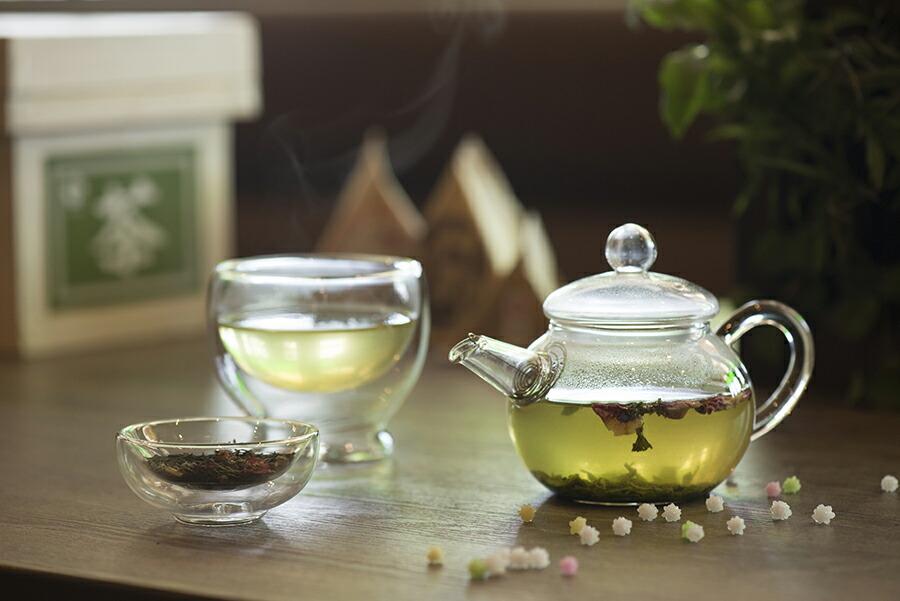 香り豊かな天然ハーブと茶葉のすっきりとした味わいをお楽しみください