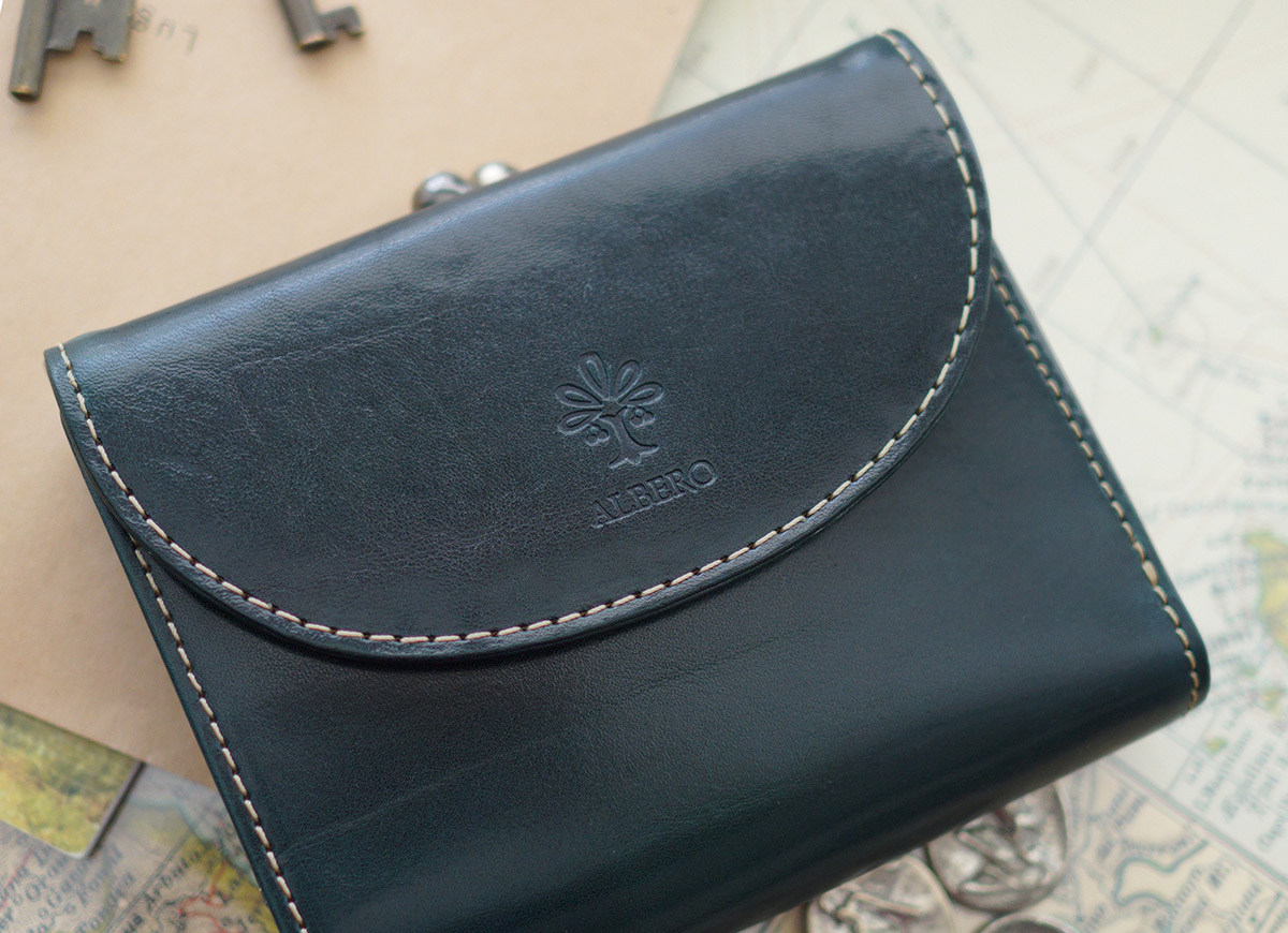 d4cca37e0b36 ALBERO(アルベロ) OLD MADRAS(オールドマドラス) がま口二つ折り財布 6518  確かな手触りと深みのある表情が美しい革手元を女性らしく華やかに演出するウォレット。