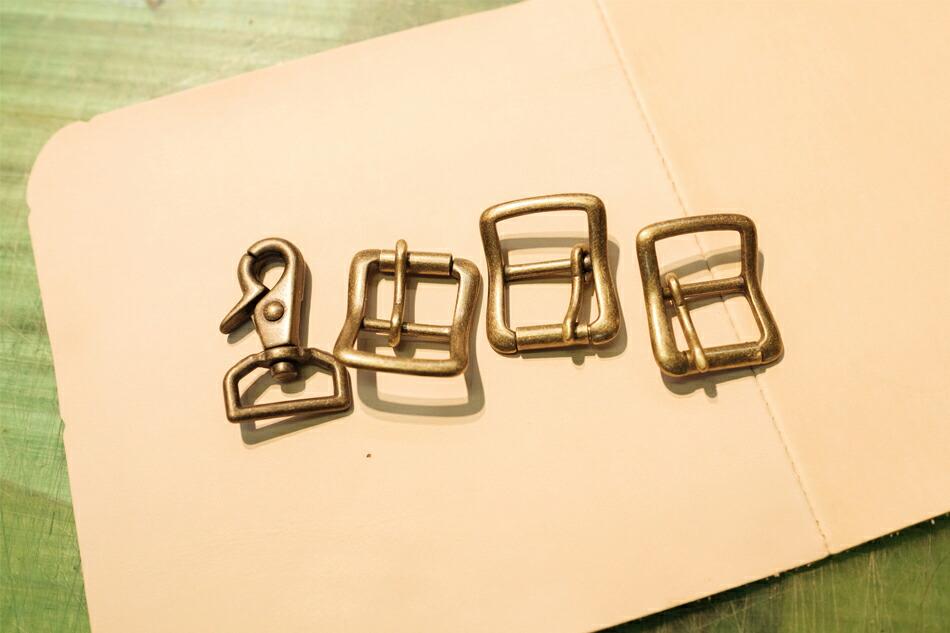 バッグに使用されている金具パーツ