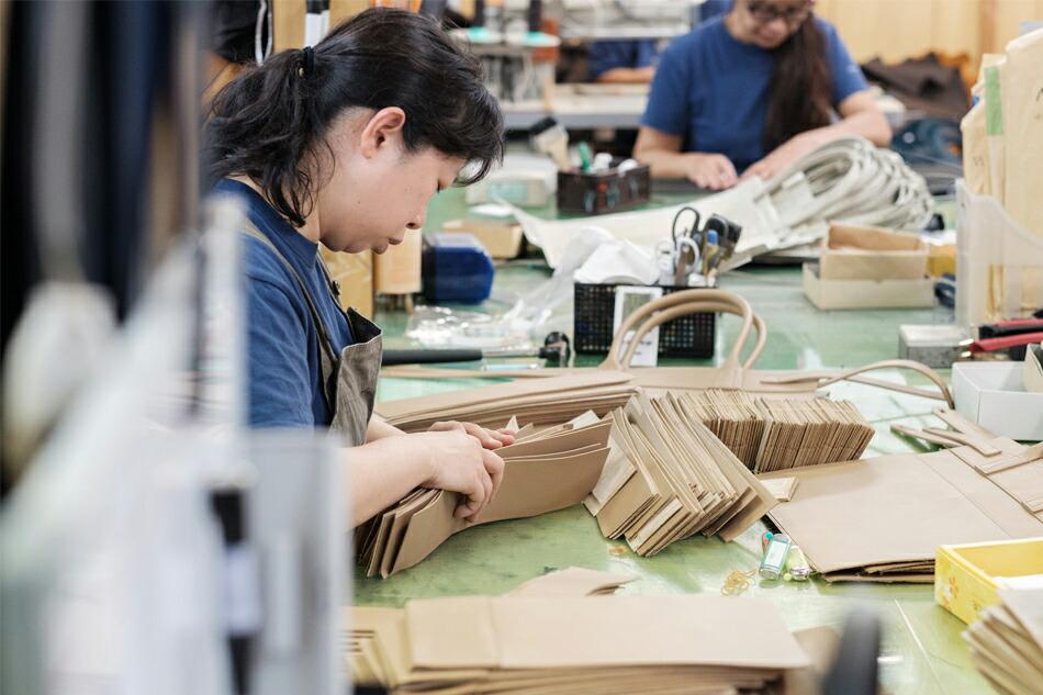 縫製工場の作業風景 その1