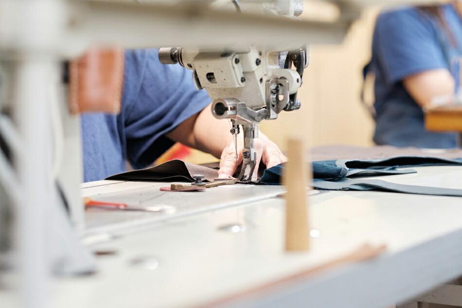 縫製工場の作業風景 その2