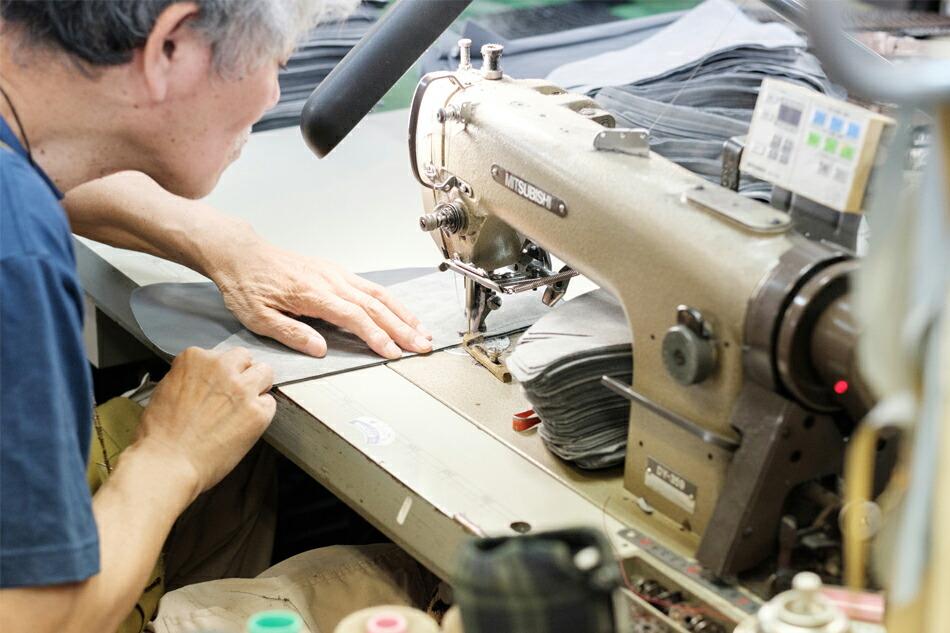 縫製工場の作業風景 その3