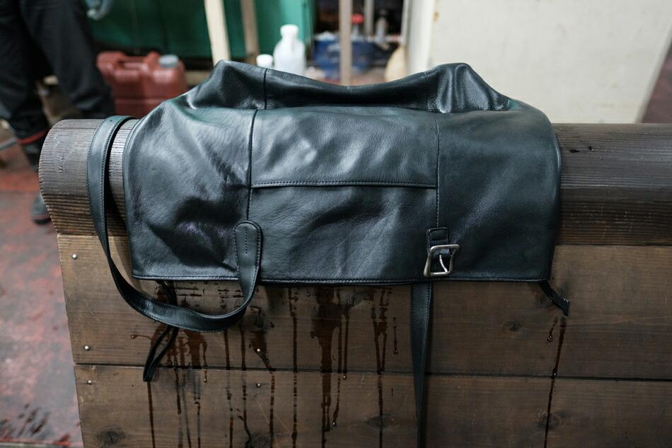 染色が完了したてのバッグ
