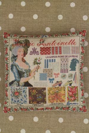 Sajou クッション キット Kit couture petit coussin grille Marie-Antoinette マリーアントワネット サジュー フランス メゾンサジュー KIT_COU_MUP_VERS_02
