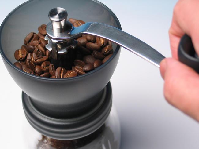 手挽きコーヒーミルのメンテナンスのやり方を動画で公開します!!