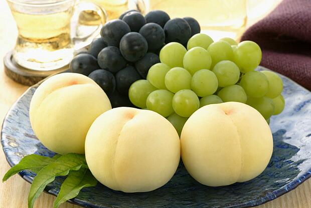 岡山を代表する白桃、ピオーネ、マスカット