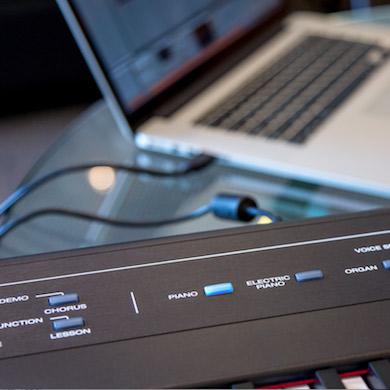 Recital ペダル+ヘッドホンセット電子ピアノ フルサイズ・セミウェイト88鍵盤 関連画像