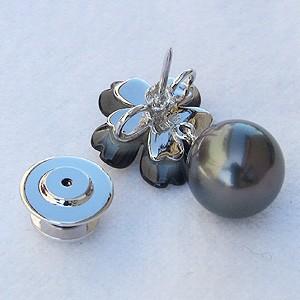 パール:ブローチ:真珠:ブラックパール:タヒチ黒蝶真珠:グリーン系色:直径10mm:黒蝶貝:花:花モチーフ:フラワー:フラワーモチーフ:SV:シルバー