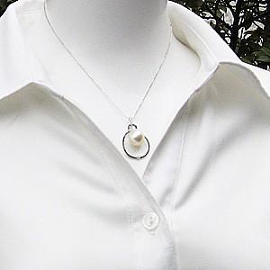 真珠:パール:南洋白蝶真珠:12mm:ピンクホワイト系:ペンダントトップ:K18WG:ホワイトゴールド:ダイヤモンド:ブラックダイヤモンド:ダイヤ:アンティーク