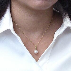 南洋白蝶真珠:ペンダントトップ:約10mm:ホワイト系:K18