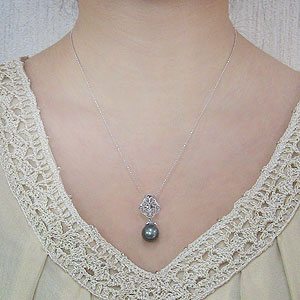 真珠 パール ペンダント タヒチ黒蝶真珠 直径11mm グリーン系 ブラックダイヤモンド PT900 プラチナ 6月誕生石