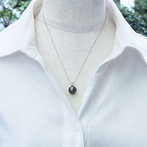 黒真珠:パール:ペンダントトップ:真珠:ブラックパール:タヒチ黒蝶真珠:グリーン系:10mm:ダイヤモンド:0.10ct:K18WG:ホワイトゴールド
