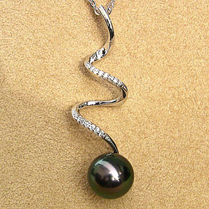 真珠 パール 6月誕生石  ペンダント タヒチ黒蝶真珠 直径10mm グリーン系 ダイヤモンド PT900 プラチナ