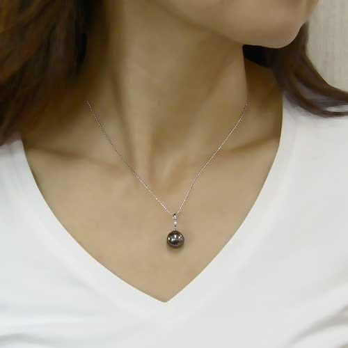 ネックレスペンダント 黒真珠パール ホワイトゴールドネックレス ダイヤモンド ジュエリー