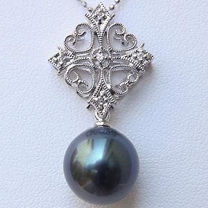 タヒチ黒蝶真珠:ペンダントトップ:PT900:プラチナ:グリーン系:ダイヤモンド:0.05ct