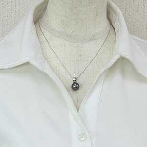 真珠 ブラックパール ペンダントトップ タヒチ黒蝶真珠 K18WG ホワイトゴールド 真珠の直径11mm グリーン系 ダイヤモンド 3石 計0.05ct ペンダントトップ