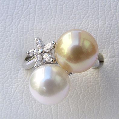 真珠:パール:リング:指輪:南洋白蝶真珠:ゴールド系10mm/ホワイト系:9mmダイヤモンド:0.20ct:K18WG:ホワイトゴールド