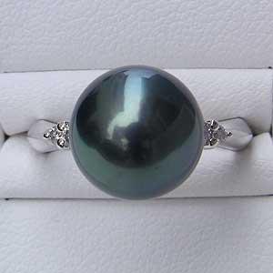 タヒチ黒蝶真珠:PT900:リング:グリーン系:真珠の大きさ:11mm:ダイヤモンド