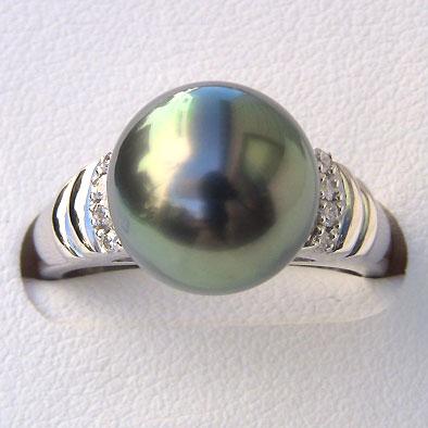 タヒチ黒蝶真珠:ダイヤモンド:パール:リング:グリーン系