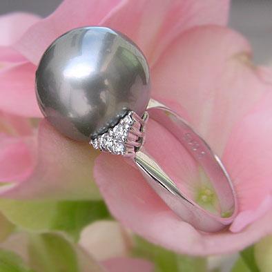 タヒチ黒蝶真珠リング:ダイヤモンド:パール:ブルーグレー系