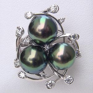 タヒチ黒蝶真珠:リング:ダイヤモンド:パール:グリーン系