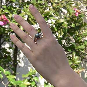 タヒチ黒蝶真珠:PT900プラチナ:リング:グリーン系