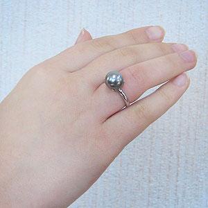 真珠:ブラックパール:指輪:タヒチ黒蝶真珠:10mm:ライトグリーン系:黒真珠:K18WG:ホワイトゴールド:リング:ダイヤモンド無し